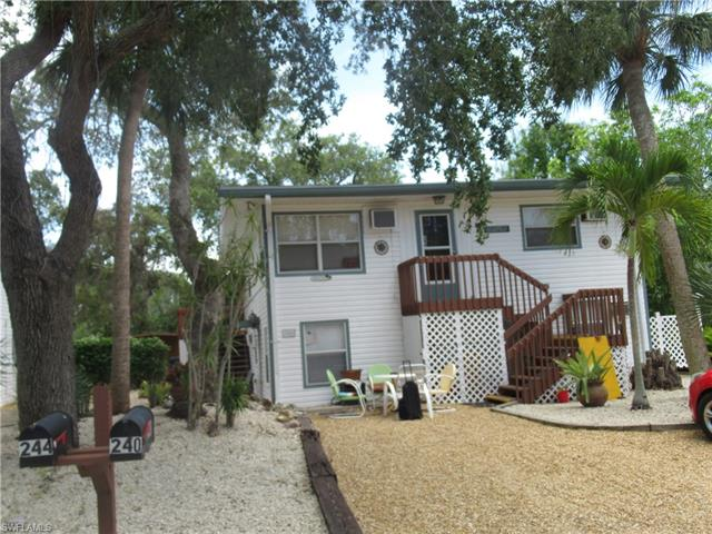 240 Dakota Ave, Fort Myers Beach, FL 33931