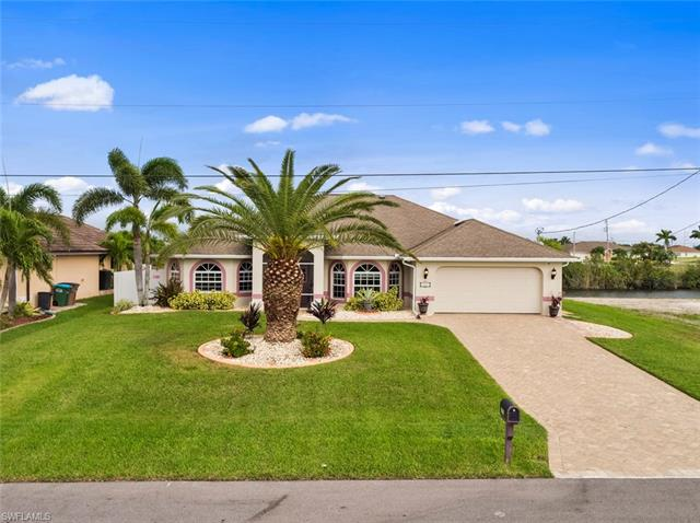 121 8th Ter, Cape Coral, FL 33993