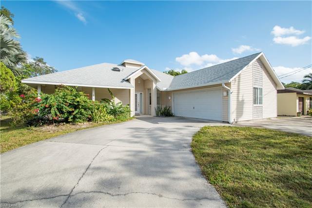 27141 Sun Aqua Ln, Bonita Springs, FL 34135