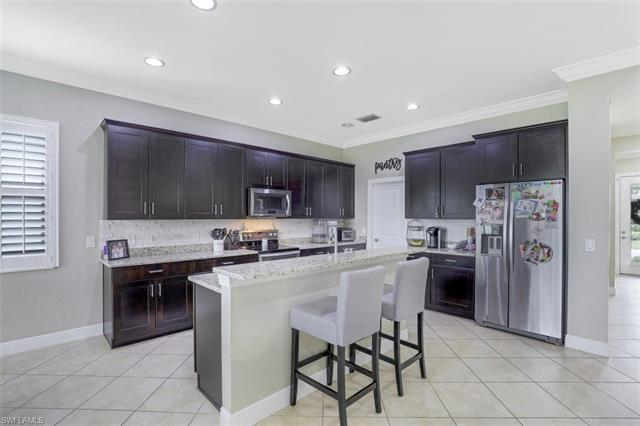 10641 Essex Square Blvd, Fort Myers, FL 33913