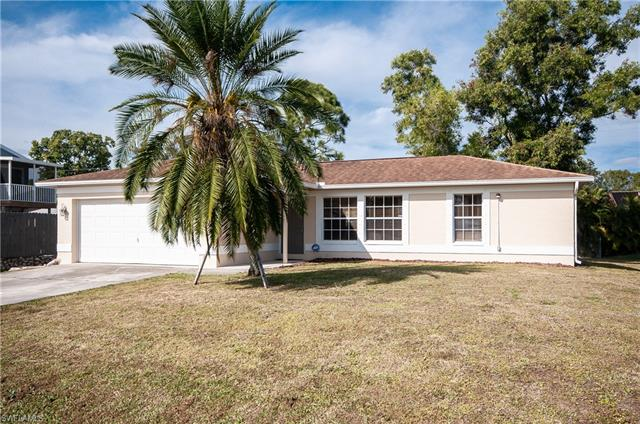 8457 Robin Rd, Fort Myers, FL 33967