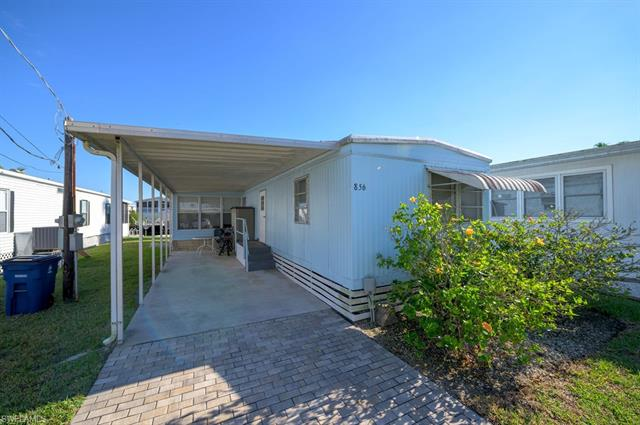856 Oak St, Fort Myers Beach, FL 33931