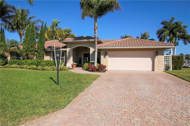 977 Clarellen Dr, Fort Myers, FL 33919