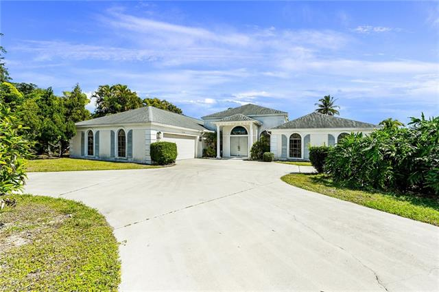 9304 Winterview Dr, Naples, FL 34109