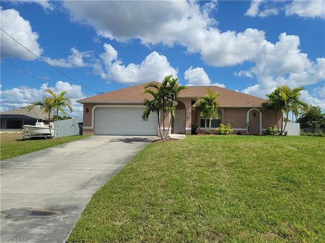 1819 38th Pl, Cape Coral, FL 33993