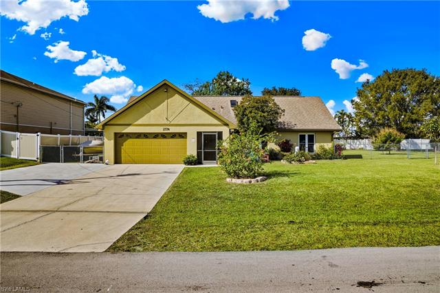 2536 25th Pl, Cape Coral, FL 33904