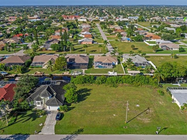 2002 18th Ave, Cape Coral, FL 33990