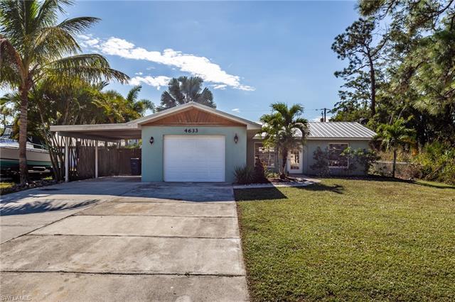 4633 Santiago Ln, Bonita Springs, FL 34134