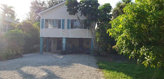 124 Coconut Dr, Fort Myers Beach, FL 33931