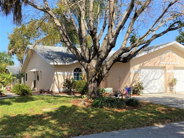 12303 Londonderry Ln, Bonita Springs, FL 34135