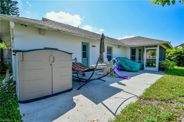 604 9th Ct, Cape Coral, FL 33991