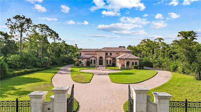 3645 7th Ave Nw, Naples, FL 34120