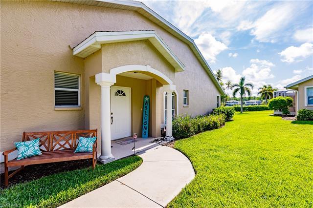 3072 Crown Pointe Blvd W, Naples, FL 34112
