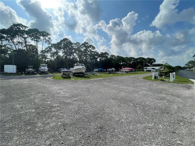133 Lexington Ave, Fort Myers, FL 33908