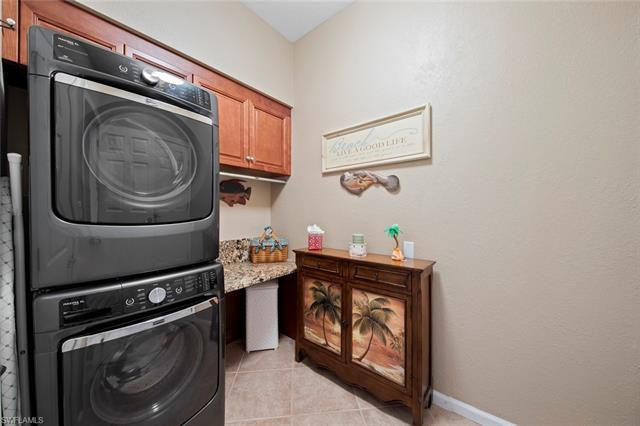 23224 Oakglen Ln, Estero, FL 34135