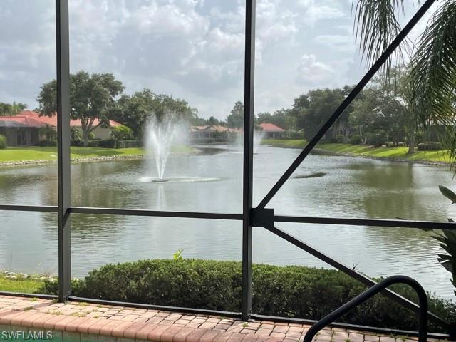 967 Fountain Run, Naples, FL 34119
