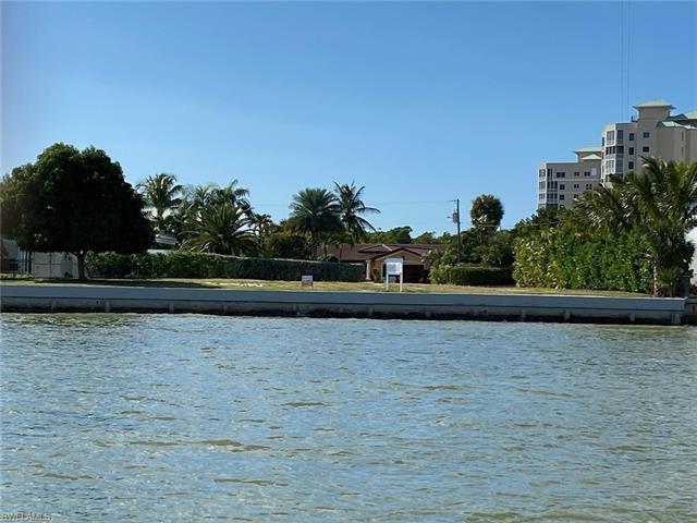280 Estrellita Dr, Fort Myers Beach, FL 33931