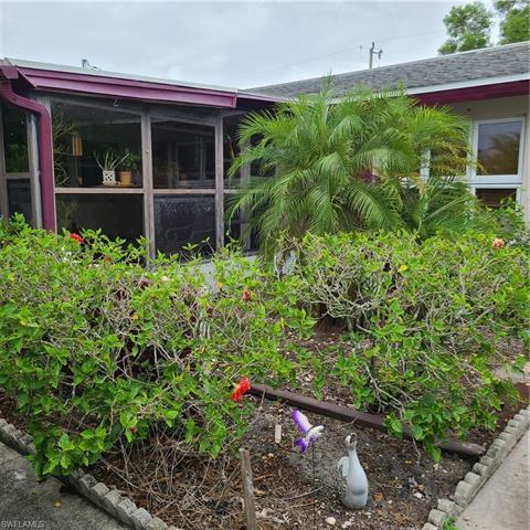 2631 17th Ave, Cape Coral, FL 33904