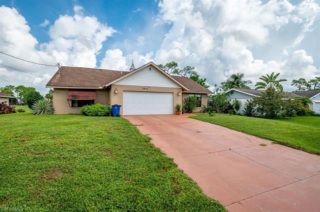 7611 Laurel Valley Rd, Fort Myers, FL 33967