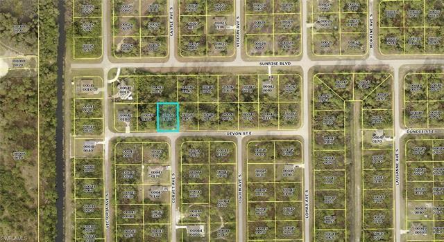 709 Devon St E, Lehigh Acres, FL 33974