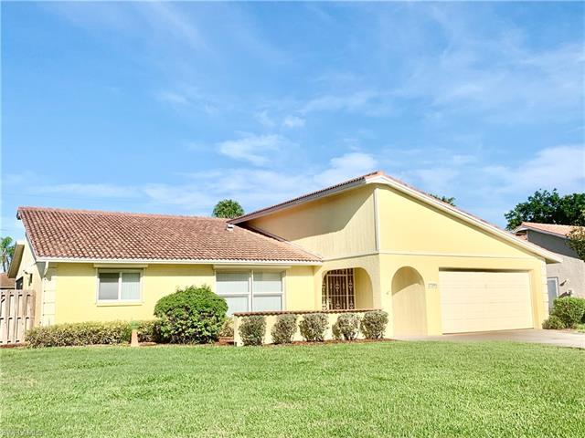27395 Pelican Ridge Cir, Bonita Springs, FL 34135