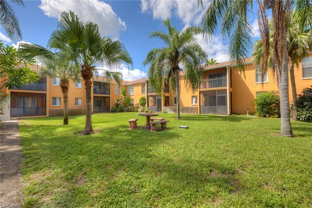 12626 Kenwood Ln D, Fort Myers, FL 33907