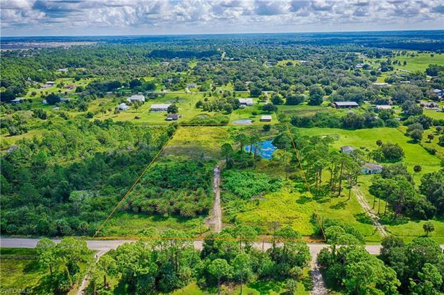 4751 Goebel Dr, Fort Myers, FL 33905