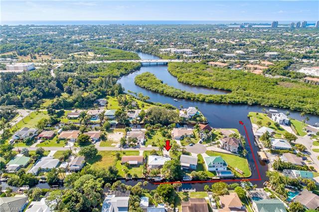 27264 Buccaneer Dr, Bonita Springs, FL 34135