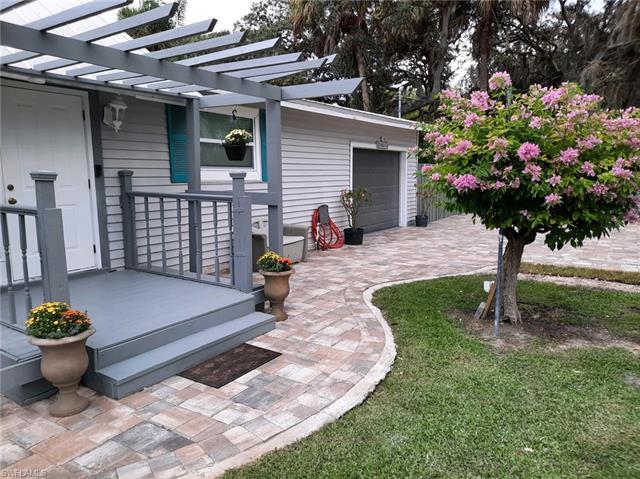 10641 Dean St, Bonita Springs, FL 34135