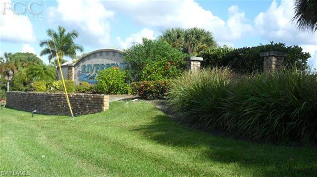 6414 Ben Hogan Cir, North Fort Myers, FL 33917