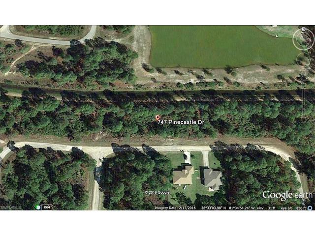 747 Pinecastle Dr, Lehigh Acres, FL 33974