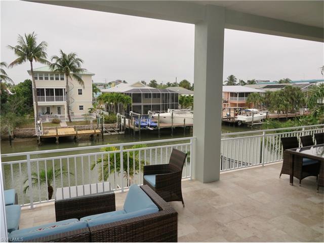 221 Palermo Cir, Fort Myers Beach, FL 33931