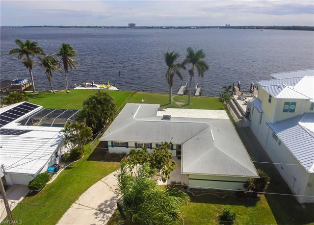 5665 Riverside Dr, Cape Coral, FL 33904