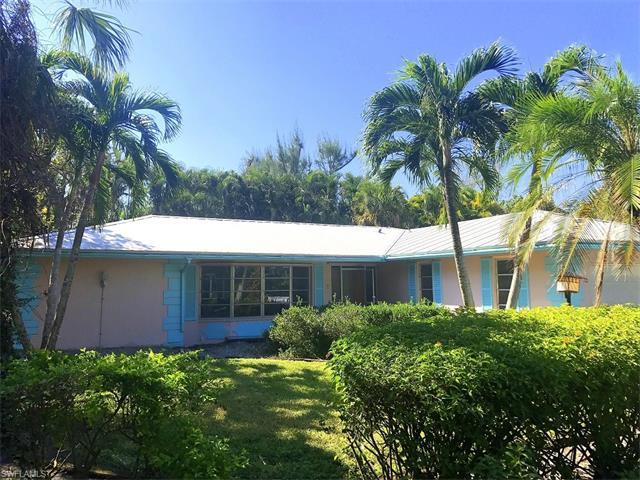 915 Palm St, Sanibel, FL 33957