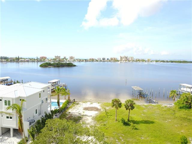 831 San Carlos Dr, Fort Myers Beach, FL 33931