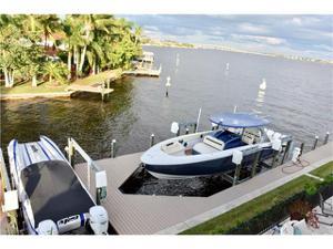 5211 Nautilus Dr, Cape Coral, FL 33904
