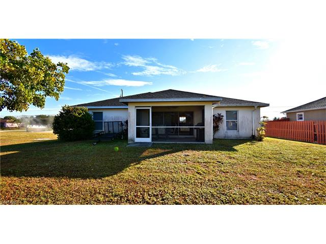 204 Nw 15th Pl, Cape Coral, FL 33993