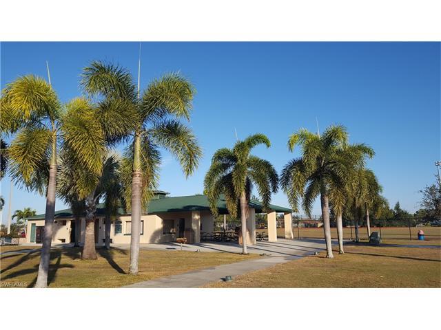 2722 Sw 3rd Ln, Cape Coral, FL 33991