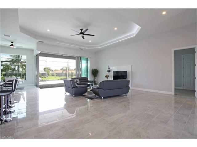 4909 Seville Ct, Cape Coral, FL 33904