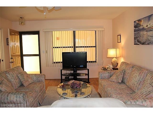 13276 White Marsh Ln 18, Fort Myers, FL 33912