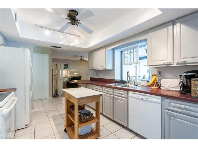 1097 N Town And River Dr, Fort Myers, FL 33919