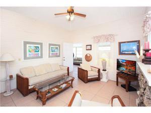 81 Miramar St, Fort Myers Beach, FL 33931