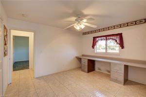 986 Clarellen Dr, Fort Myers, FL 33919
