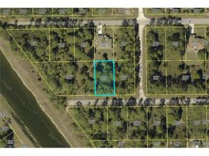 3004 22nd St W, Lehigh Acres, FL 33971