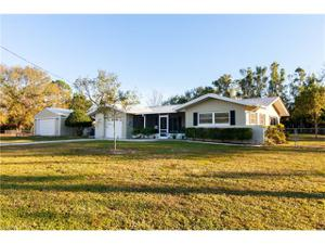 1086 Laurel Dr, North Fort Myers, FL 33917