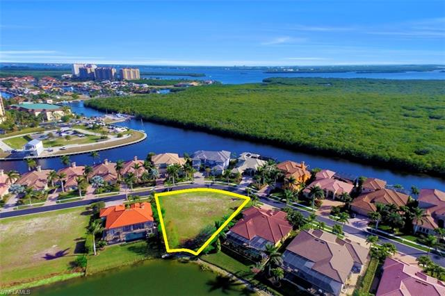 5814 Harbour Cir, Cape Coral, FL 33914