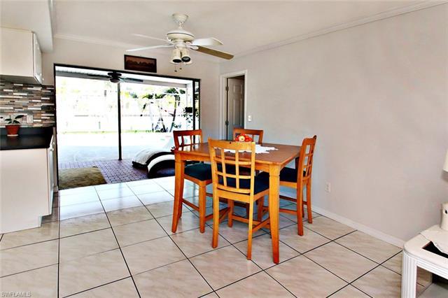 5211 Seminole Ct, Cape Coral, FL 33904