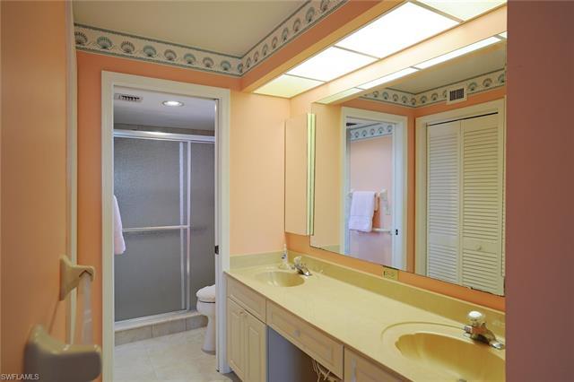 218 Sugar Pine Ln 218, Naples, FL 34108