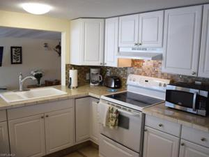 6 Emily Ln, Fort Myers Beach, FL 33931