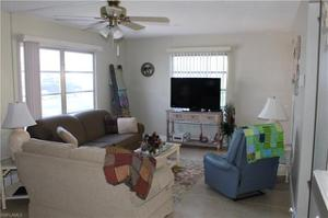 12 Hamlin Ct, Lehigh Acres, FL 33936